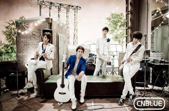 http://jklov.files.wordpress.com/2010/05/cn-blue-header-2.jpg